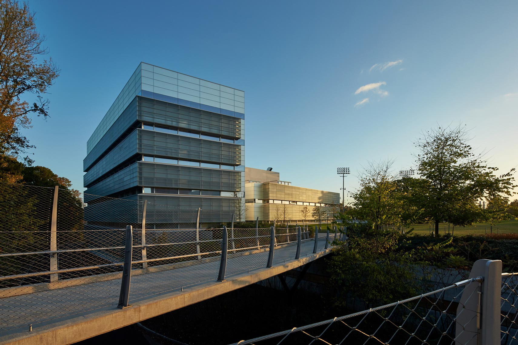 Peretsman Scully Hall and the Princeton Neuroscience Institute with Streicker Bridge